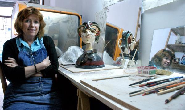 Evelyne DELLAUX à l'atelier